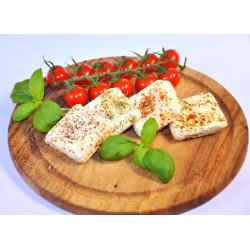 Sýr čerstvý s kořením...